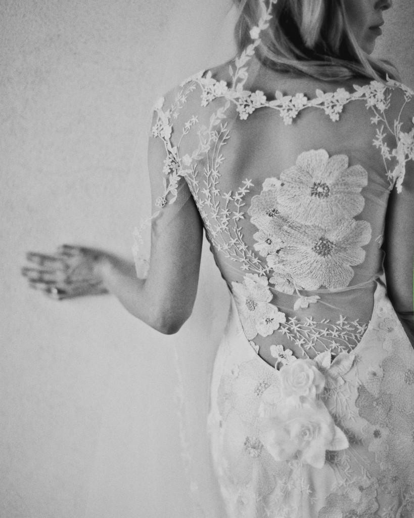 Фото в свадебном платье черно белое